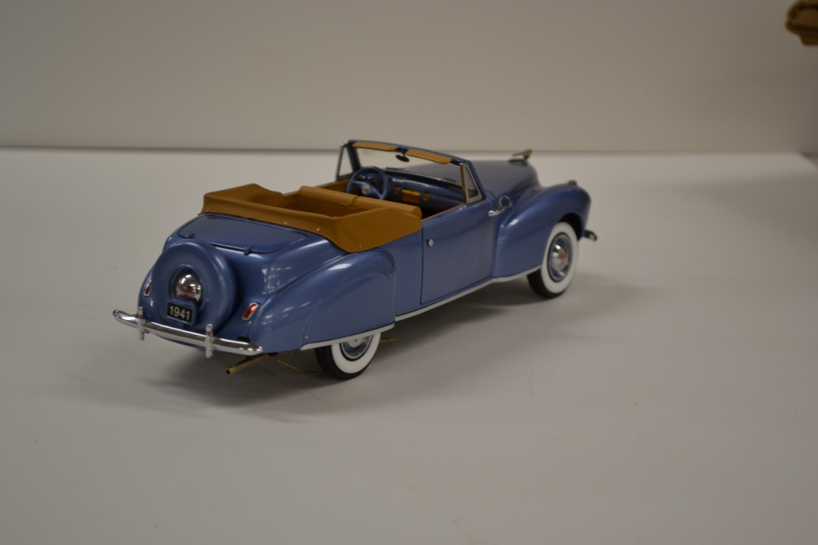 Lot 525- 1941 Lincoln Continental (2)