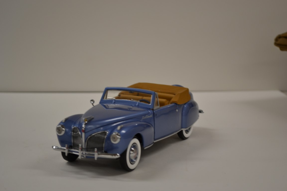 Lot 525- 1941 Lincoln Continental