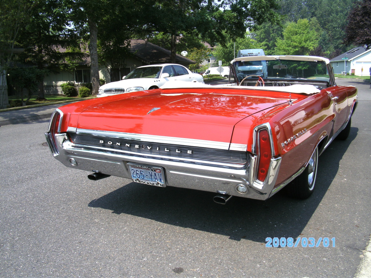 Lucky Collector Car Auctions | Lot 552 – 1964 Pontiac Bonneville Convertible