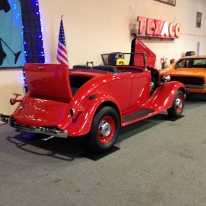Lucky Collector Car Auctions | Lot 414-1935 Chevrolet Roadster Hot